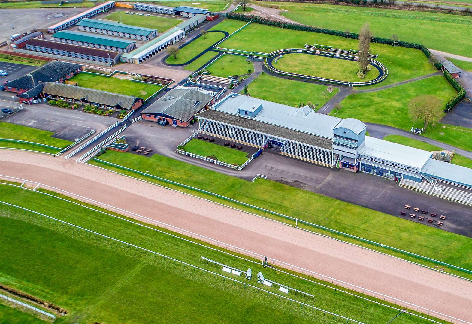 Southwell Racecourse celebrates 30 years of all-weather racing