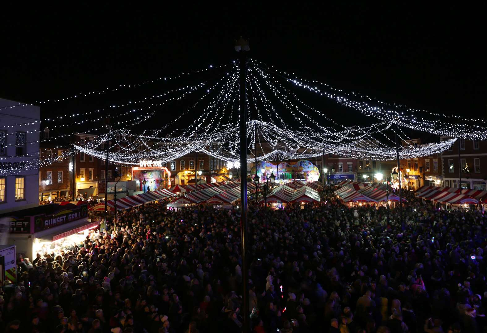 POLL: Is it a good idea to change market place layout for Christmas lights switch-on to create more space?
