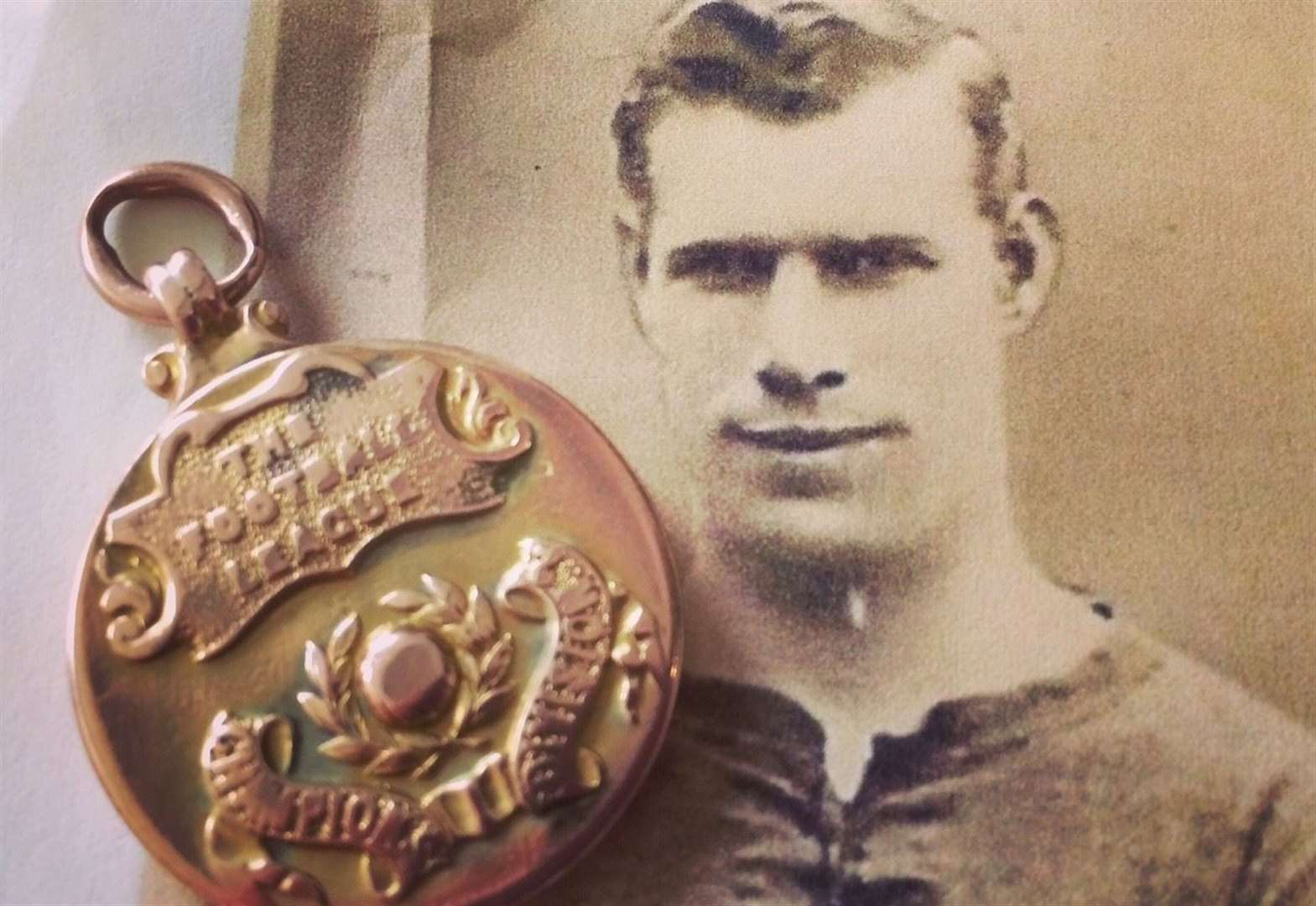 Notts County title winning medal to be auctioned