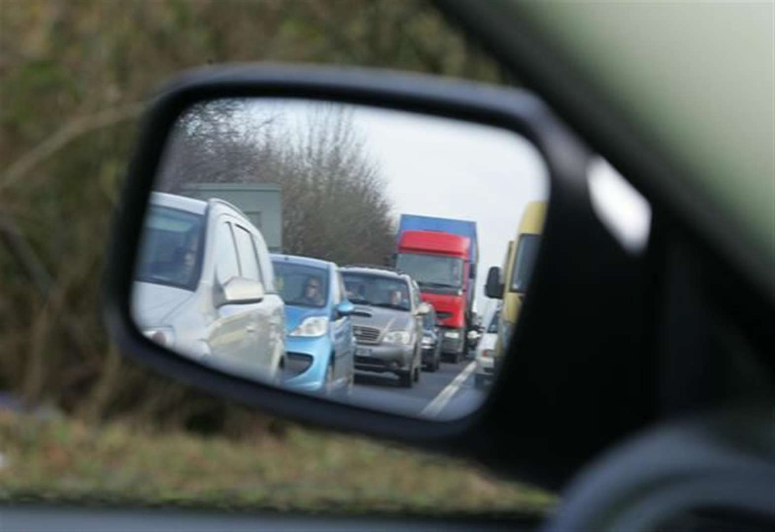 A1 at standstill south of Newark following crash