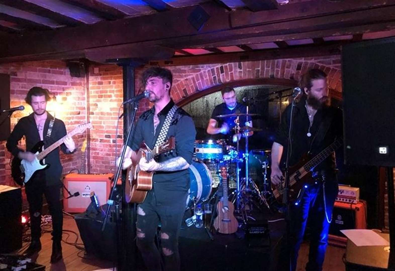 Bands brings festival vibe to fundraiser