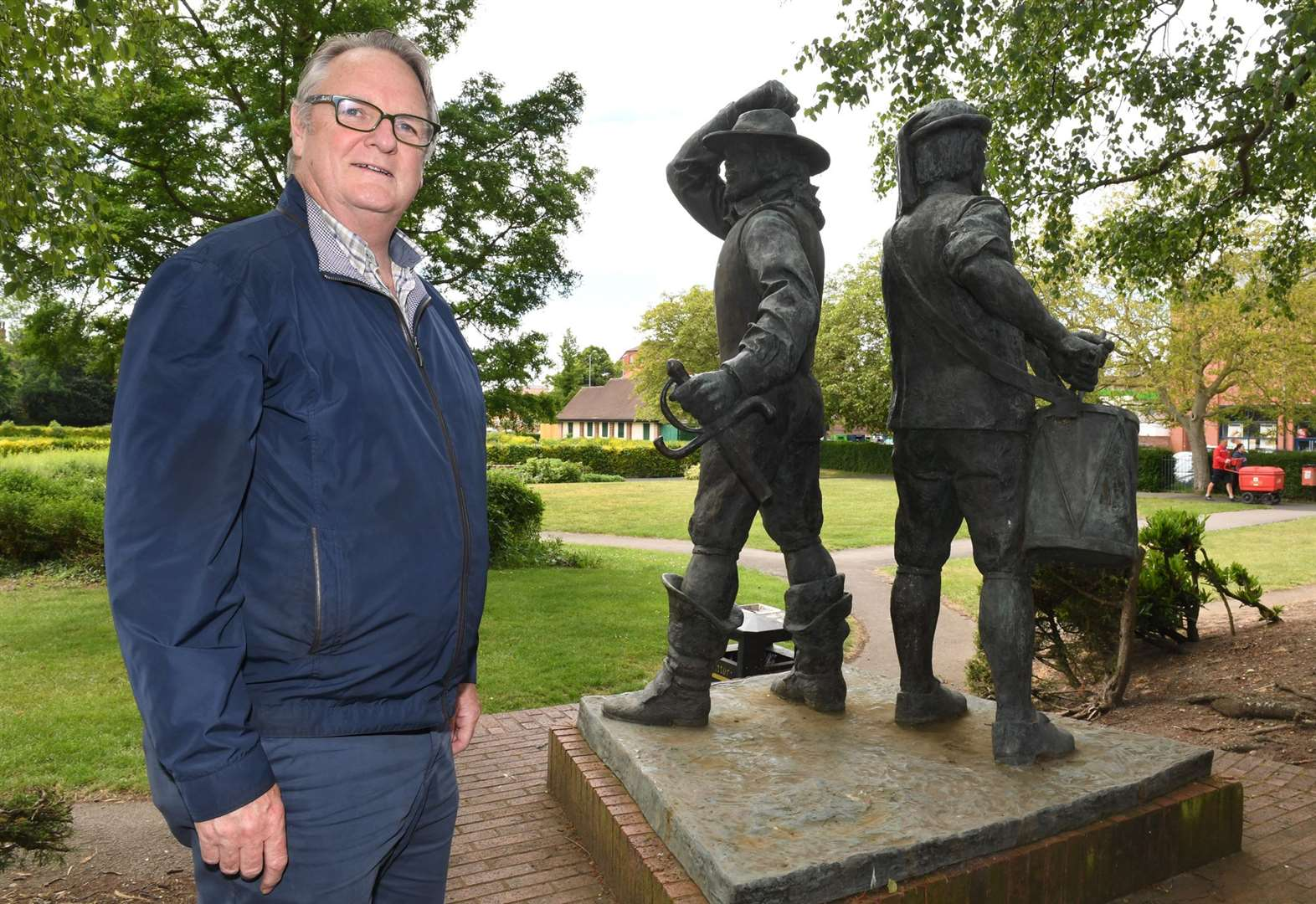 Civil war statue to move to town centre roundabout in October