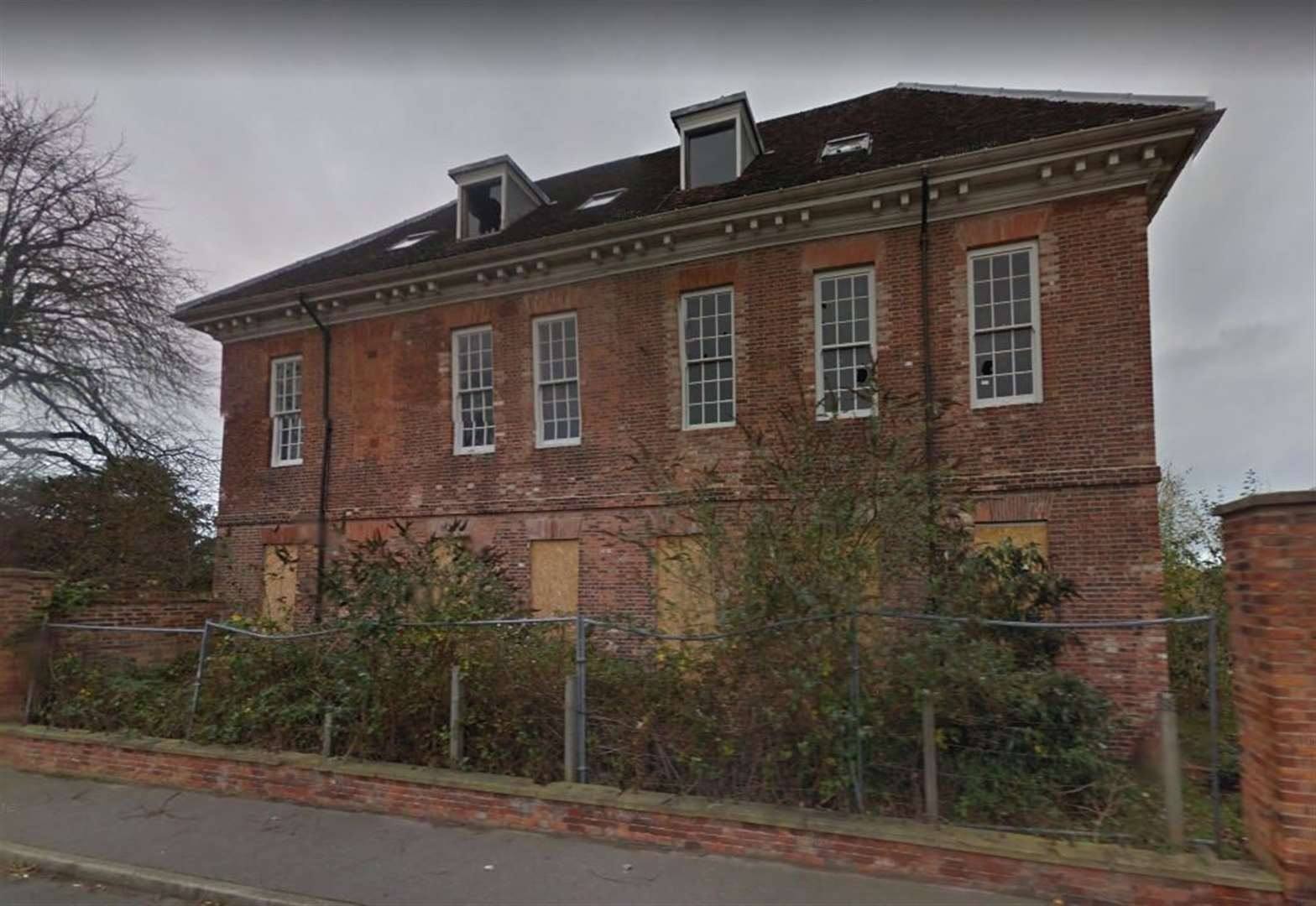 Three developers with 'impressive' bids for Ollerton Hall interviewed by district council