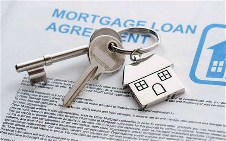 Mortgage lenders have agreed to offer three month payment holidays for those facing financial struggles (32216905)