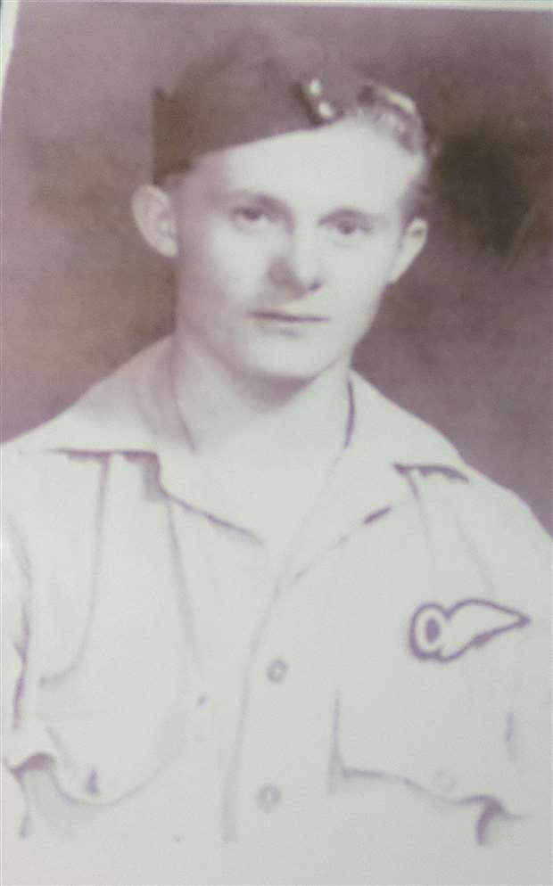 Jim Auton as a young serviceman (28526883)