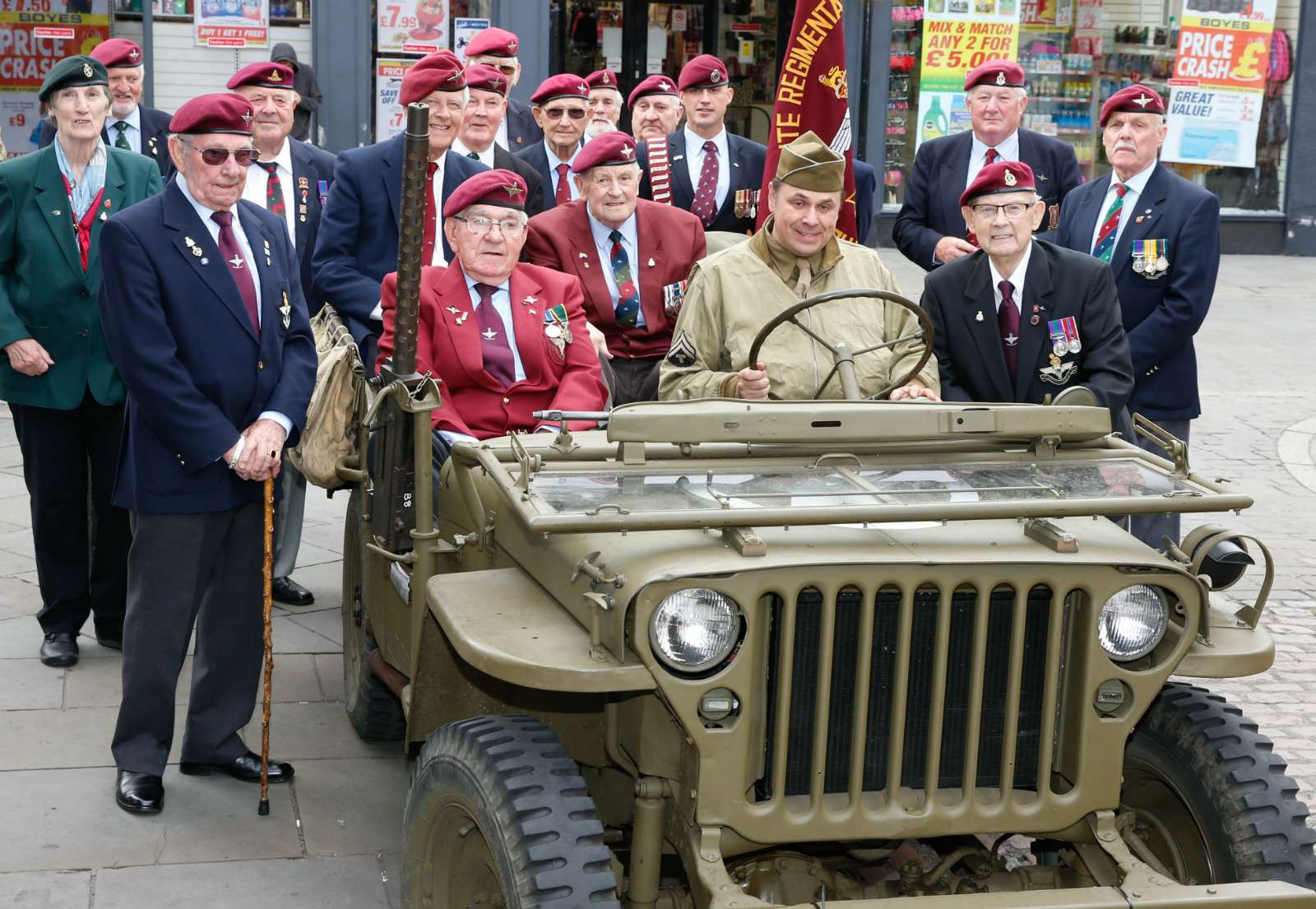 Members of the Newark Parachute Regimental Association. 250617LSP1-5