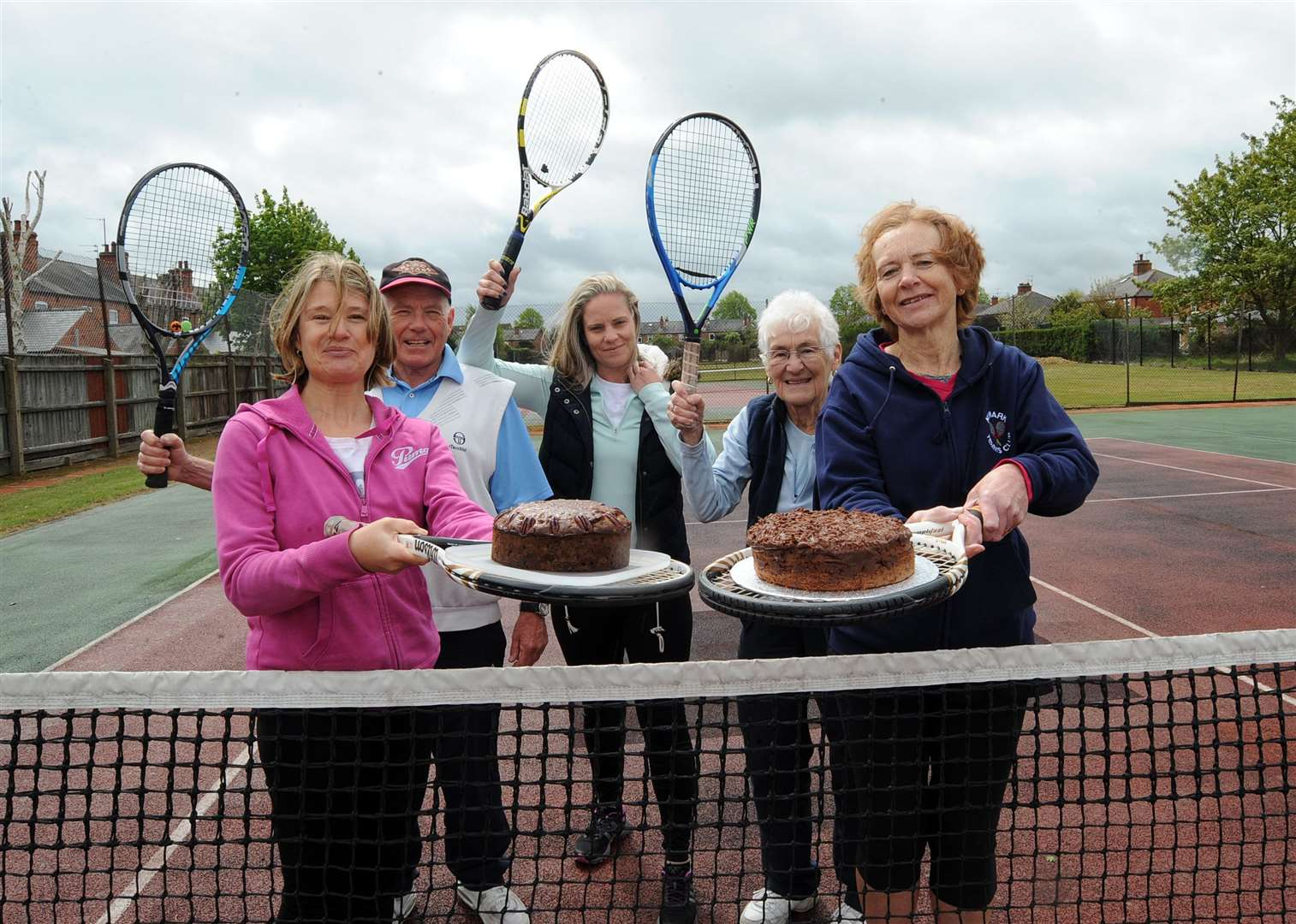 Newark Tennis Club held a fundraising day along with their open season tournament .Pictured are some of the fundraisers with cake at the event l-r Annie Davies,Andy Cole, Sara Jackson,Barbara Woodcock and Lynne Hare. (9325129)