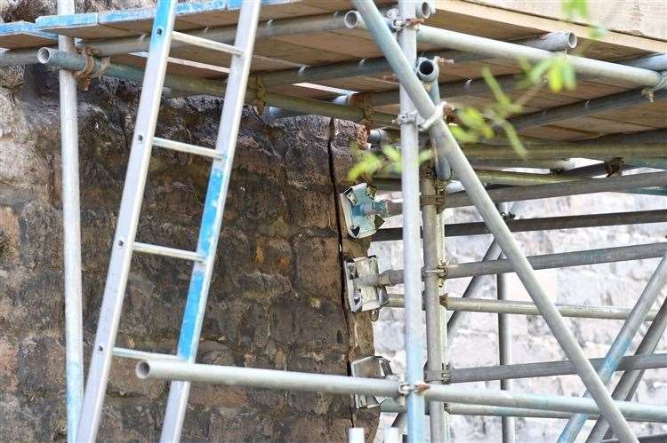 Crack in the wall of Newark Castle. Pictures by Melissa Roberts of Barnby