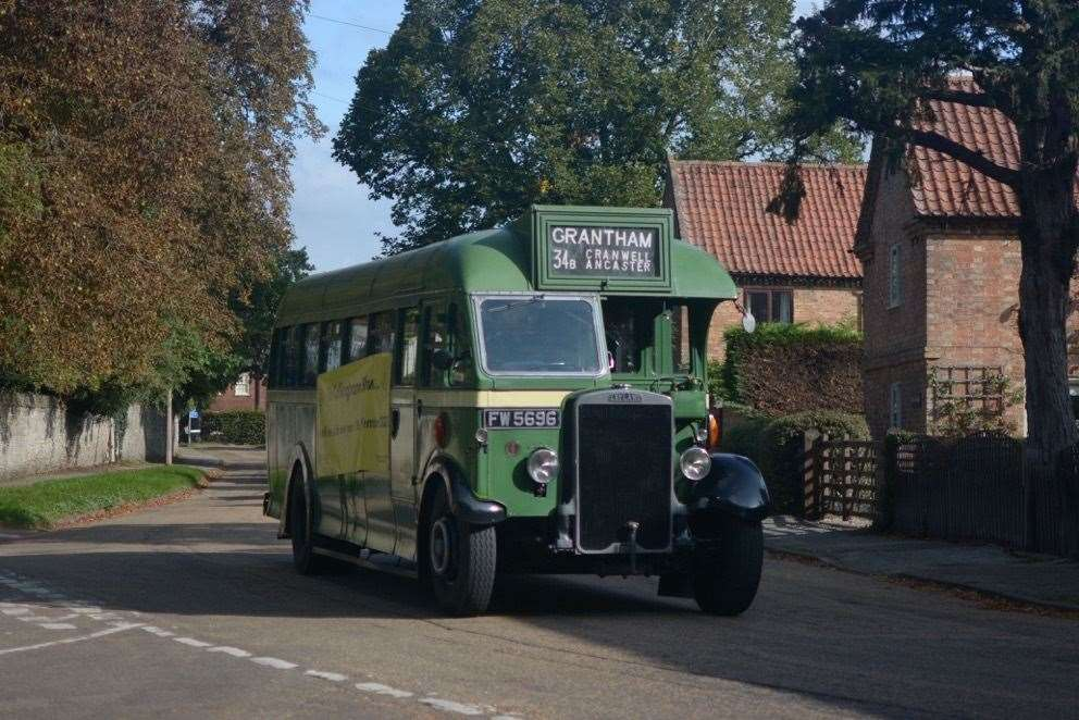 Vintage vehicles in Collingham (42349485)