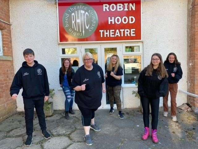 Kim (centre) with her youth group at the Robin Hood Theatre (46362872)