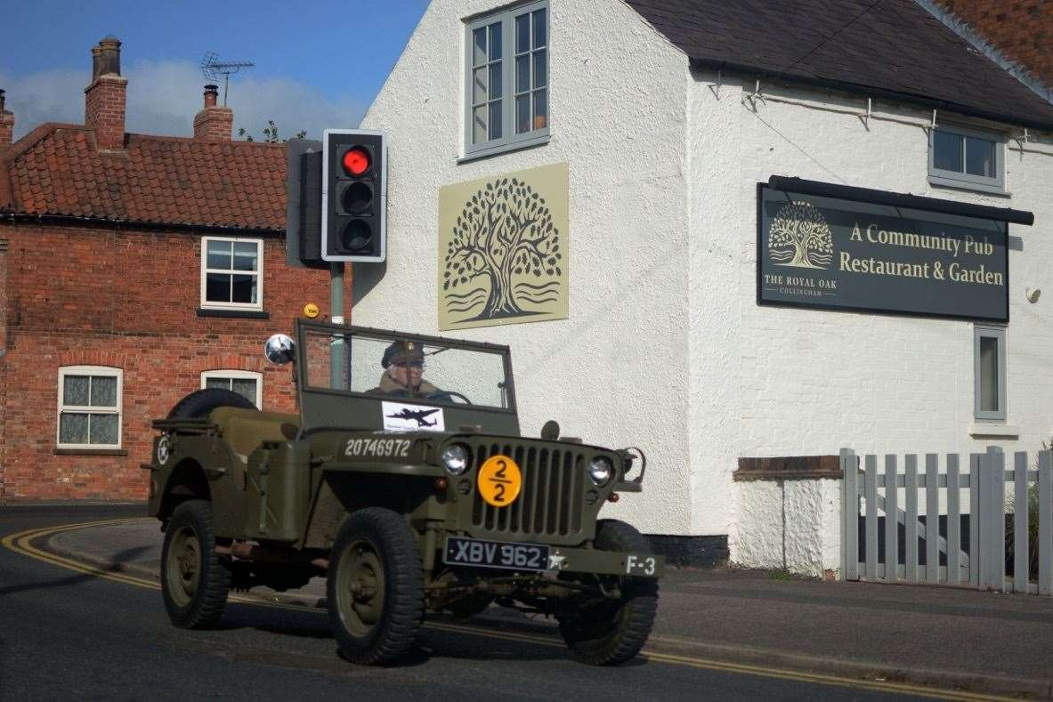 Vintage vehicles in Collingham (42349483)