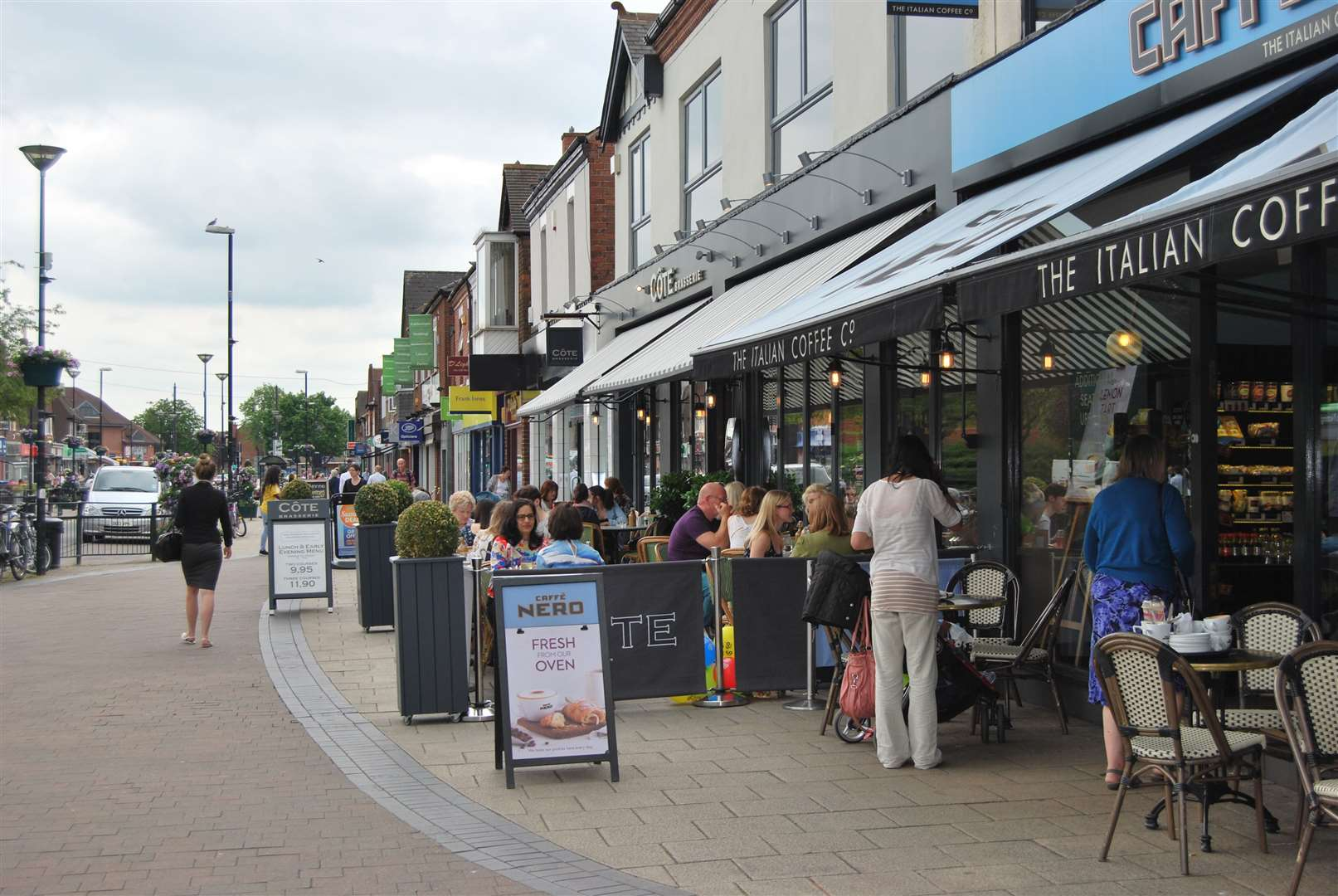 West Bridgford High Street. (35742394)