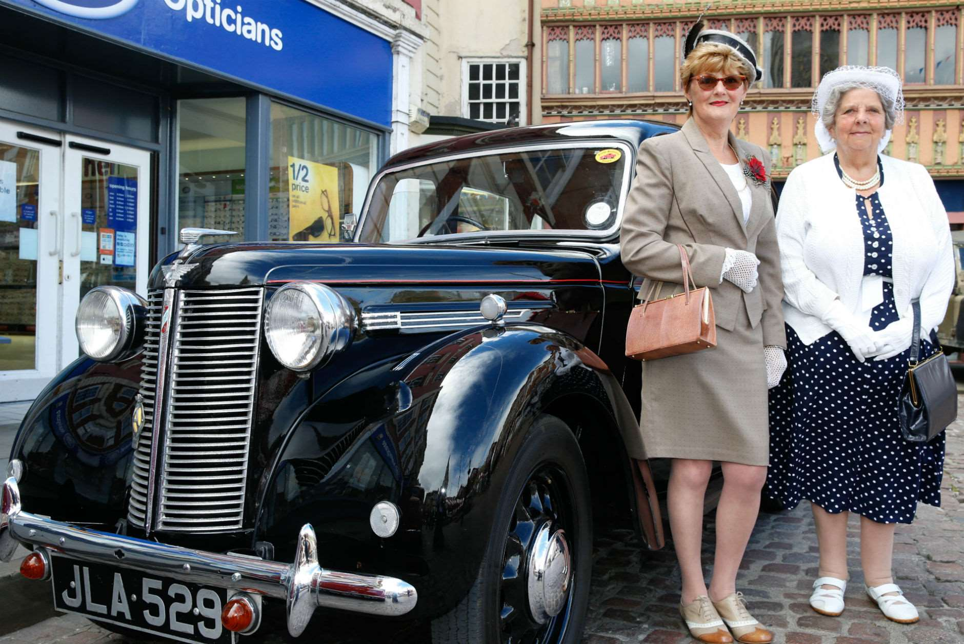 Caroline Fowell and Doreen Stuchbury, of Newark, with a 1947 Austin 8. 250617LSP1-10